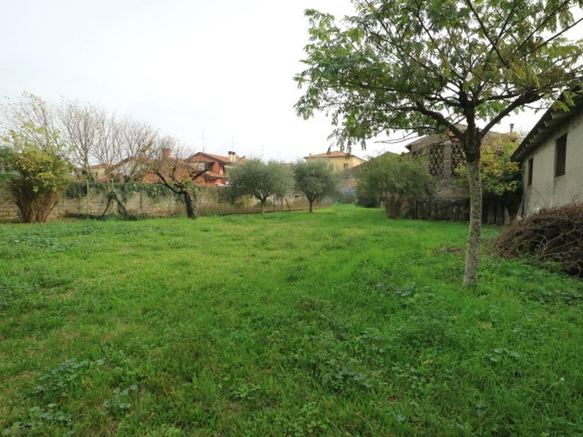 Rustico / Casale Residenziali in vendita - 2